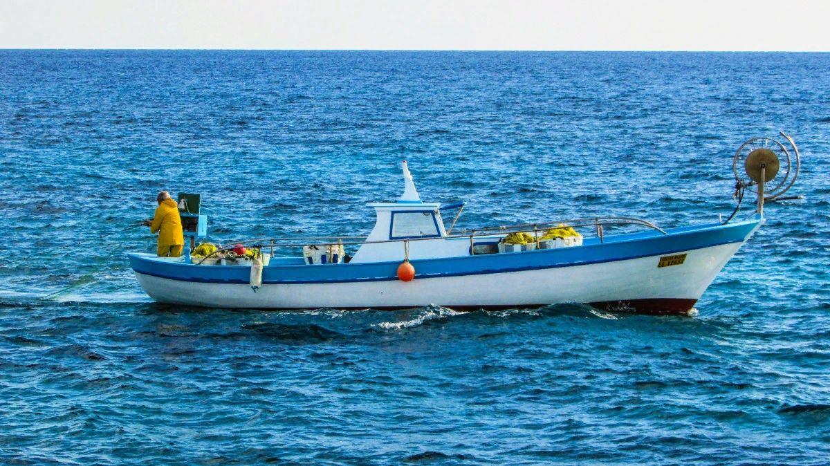 Морское рыболовное судно